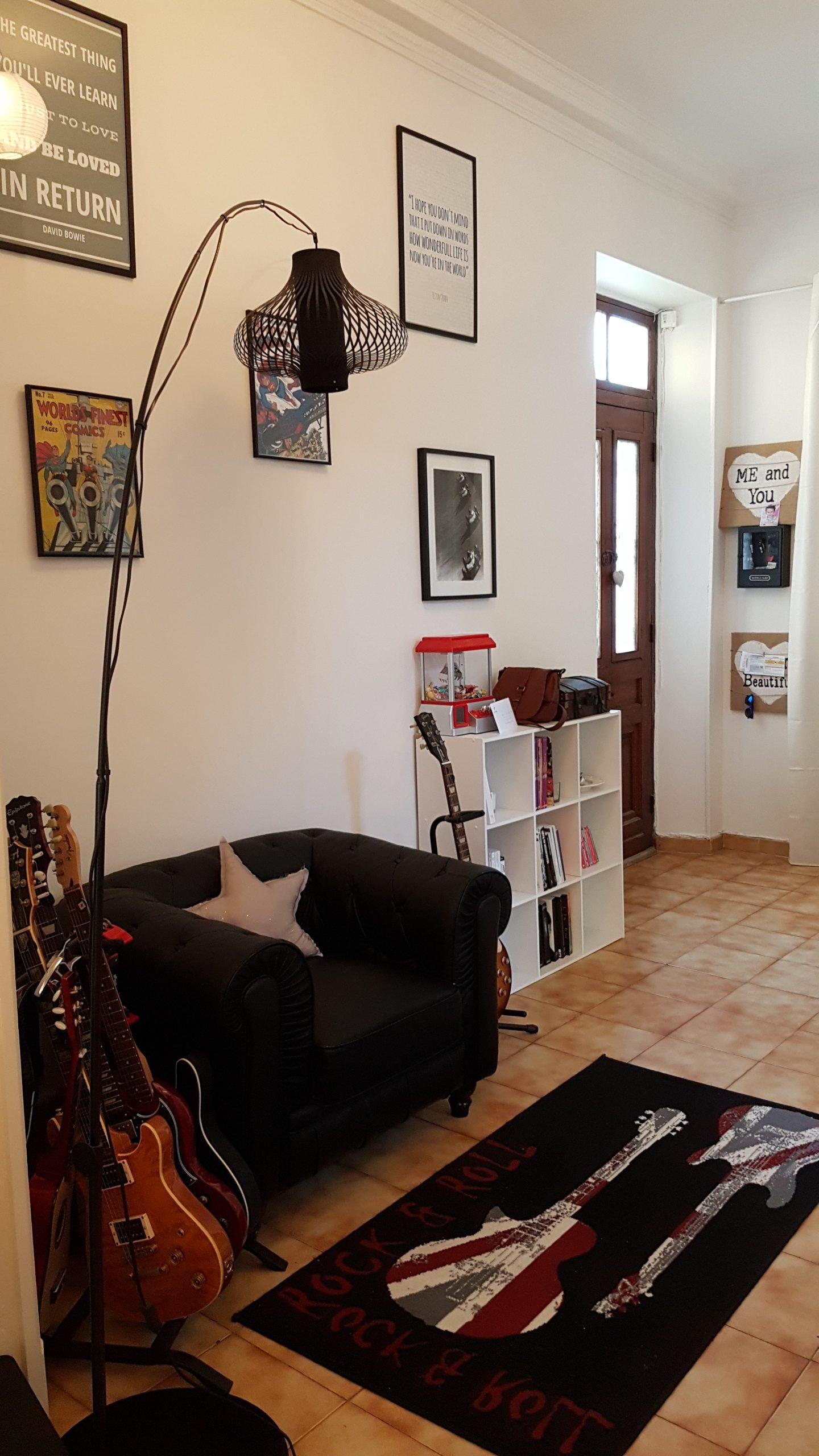 maison d co 5 id es pour optimiser une grande entr e. Black Bedroom Furniture Sets. Home Design Ideas