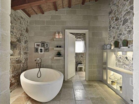 salles de bain insolites pierre